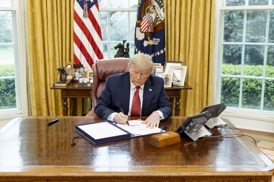 Tổng thống Mỹ ký sắc lệnh tạm ngừng nhập cư trong vòng 60 ngày – nhưng không áp dụng đối với nhập cư đầu tư EB-5