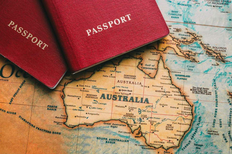 Bị từ chối thị thực Úc, cơ hội nào để xin lại?